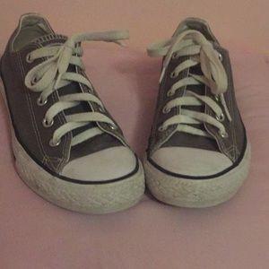 Gray Converse Tennis Shoes